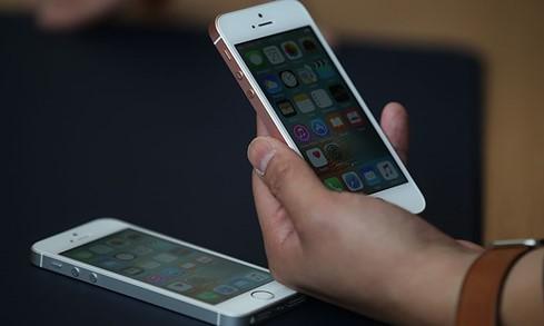 Cần kiểm tra khả năng làm việc màn hình cảm ứng trên iPhone còn tốt hay không.