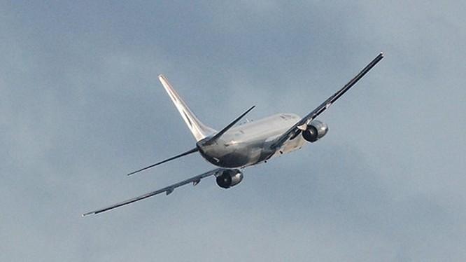 """Nga: Boeing-737 """"bốc hơi"""" từ kho sân bay"""