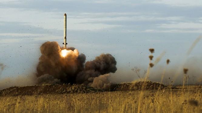 Nga phát triển tên lửa bất khả xâm phạm đối với NATO