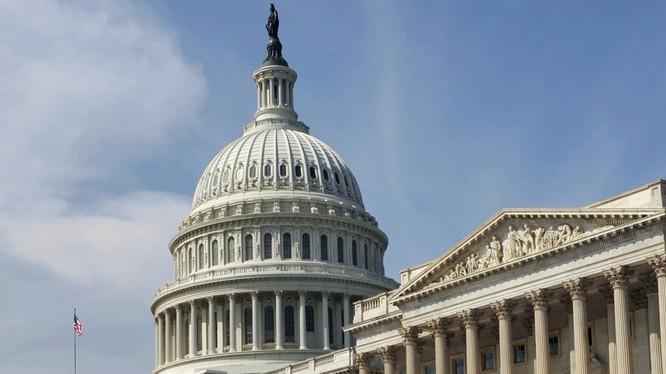 """Hạ nghị sĩ Mỹ đề nghị """"đổi"""" Crưm lấy dỡ bỏ lệnh trừng phạt"""