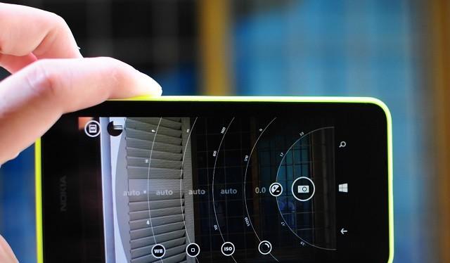 """Video: 5 smartphone chụp ảnh """"bá đạo"""" cho dịp nghỉ 30/4 - 1/5"""