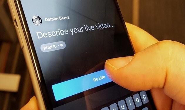 Live là tính năng mới có mặt trên Facebook nhằm khuyến khích người dùng tương tác nhiều hơn trên mạng xã hội này. Live cho phép người dùng phát video trực tiếp từ ứng dụng Facebook. Ảnh:Huffington Post.