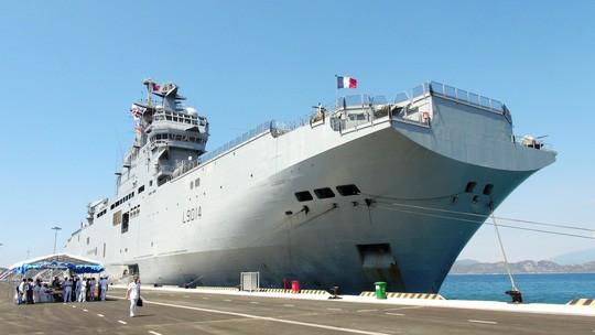 Tàu chỉ huy và đổ bộ đa năng Tonenerres của Hải quân Pháp đã cập Cảng quốc tế Cam Ranh