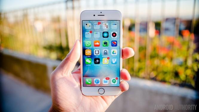 Vì sao giá iPhone vẫn ngất ngưởng?