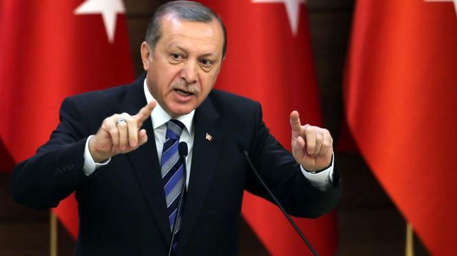 Ông Erdogan chỉ trích NATO hoạt động quân sự yếu kém