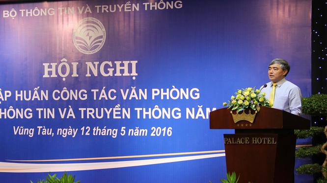Thứ trưởng Nguyễn Minh Hồng: Văn phòng là nơi tập trung và cần phải có những con người chủ động, sáng tạo, biết hy sinh thời gian của cá nhân cho đơn vị.