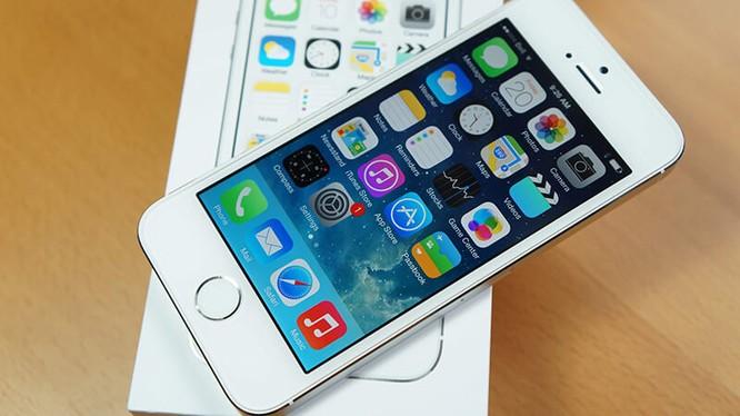 Video 'đập hộp' iPhone SE chính hãng tại Việt Nam