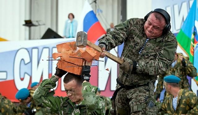 Video: Mãn nhãn xem đặc nhiệm Nga thi triển võ công