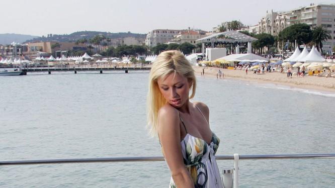 Nữ diễn viên Paris Hilton, 2005