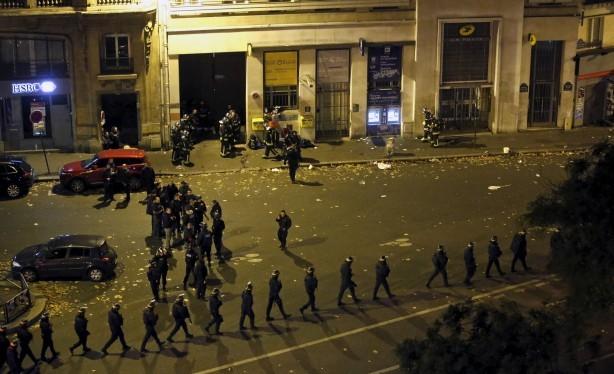 Lực lượng an ninh tại hiện trường vụ khủng bố đẫm máu Paris năm ngoái.