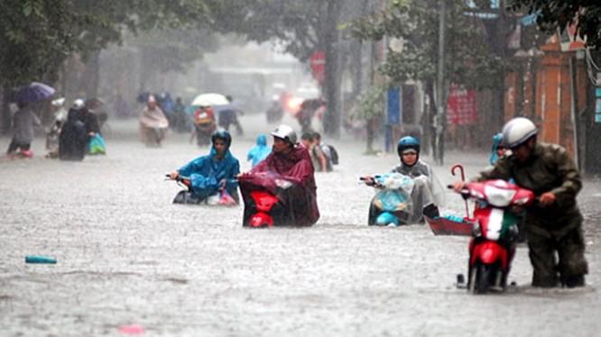 Trận mưa lớn ở Hà Nội đêm ngày 24/5 vừa qua gây ngập lụt ở Hà Nội lớn nhất lịch sử 45 năm qua