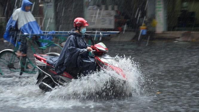 hôm nay, Bắc Bộ tiếp tục có duy trì mưa dông diện rộng.