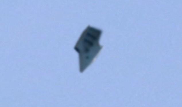 Video: UFO xuất hiện ở Ohio, Mỹ