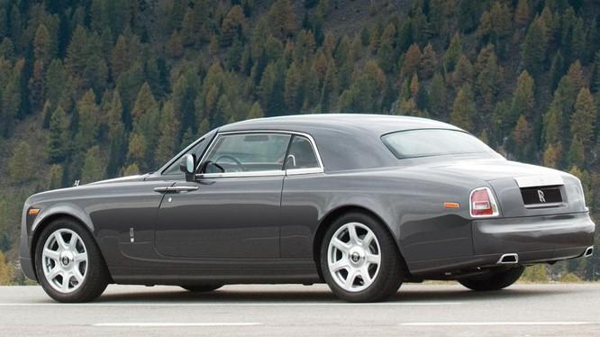 10. Phantom Coupe giá 650.000 USD