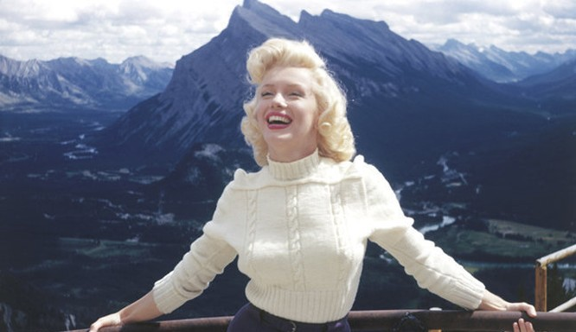 Đã 90 năm trôi qua kể từ khi cô bé Norma Jeane Mortenson (Marilyn Monroe) ra đời. Tuy vậy, cho đến nay, cuộc đời, sự nghiệp và con người của Marilyn vẫn là đề tài gây tranh cãi.