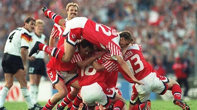 Đan Mạch thắng Đức 2-0 trong trận chung kết Euro 1992 đã làm nên bất ngờ lớn trong lịch sử bóng đá