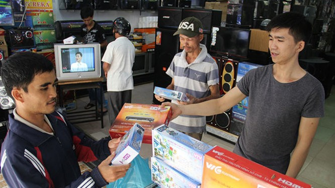 Nhu cầu giải đáp thông tin về số hóa truyền hình của người dân tăng vọt trong ngày tắt sóng mềm truyền hình analog.
