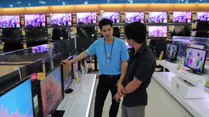 Tivi mức giá tầm trung từ 8-12 triệu đồng được ưa chuộng.