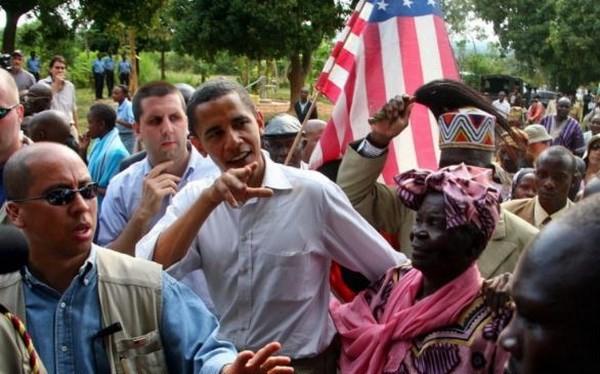 Ông Obama trong chuyến thăm Kenya năm 2006. (Nguồn: Reuters)