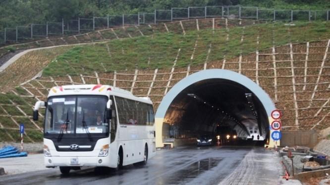 Các phương tiện giảm ít nhất 30 phút hành trinh khi lưu thông qua hầm Phú Gia, Phước Tượng so với thời gian đi đường đèo.