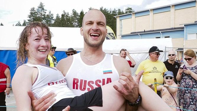 Cặp đôi người Nga Anastasia Loginova và Dimitry Sagal giành phần thắng trong cuộc thi năm nay.