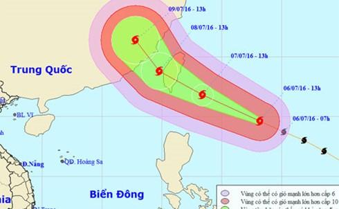 Dự báo đường đi của bão vào chiều 6/7. Ảnh: NCHMF.