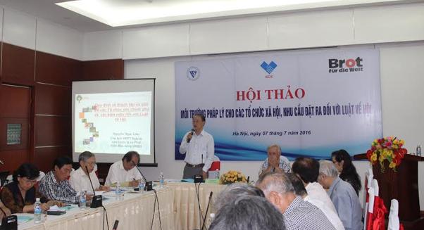 TS. Phạm Văn Tân – Phó chủ tịch kiêm Tổng thư ký VUSTA phát biểu khai mạc hội thảo.
