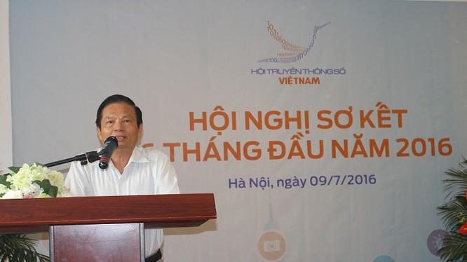 Ông Lê Doãn Hợp, Chủ tịch Hội Truyền thông số Việt Nam phát biểu tại Hội nghị.
