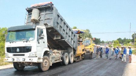 Dự án dài khoảng 60 km do Công ty TNHH Trùng Phương thực hiện theo hình thức BOT.