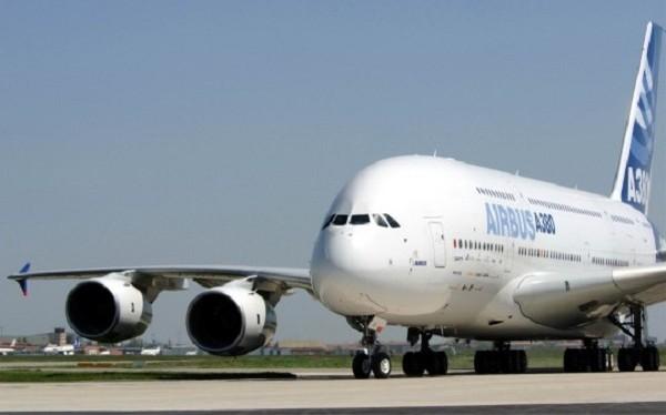 Những máy bay này rất đắt nhưng có sức trở hành khách lớn.