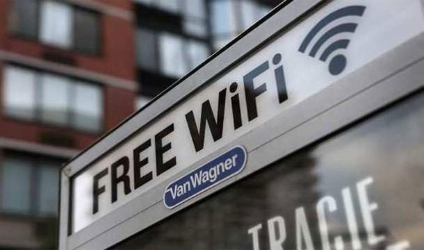 Sử dụng Wi-Fi công cộng tiềm ẩn một số rủi ro bảo mật nếu bạn không đề phòng.