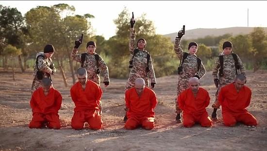 Theo đoạn chú thích cuối video, 5 đứa trẻ này có nguồn gốc từ Tunisia, Ai Cập, Anh, Uzbekistan và Thổ Nhĩ Kỳ.