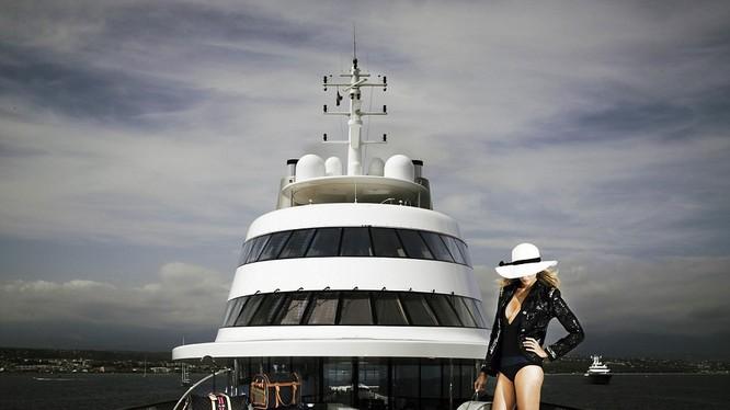 Siêu du thuyền xa hoa này có tới 3 bể bơi