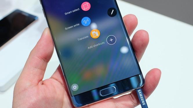 Samsung Galaxy Note 7 đã đình chỉ bán dòng điện thoại này vào hôm 2/9 và bắt đầu thu hồi tự nguyện tại Mỹ sau khi 35 vụ nổ được khẳng định do lỗi pin