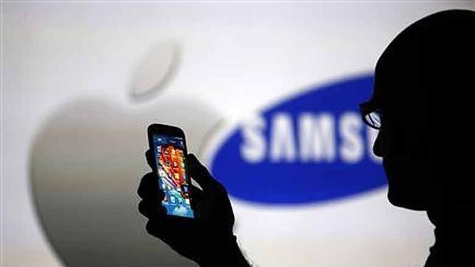 Samsung đã kêu gọi chủ sở hữu của các chiếc điện thoại Galaxy Note 7 ngừng sử dụng và đổi lại các sản phẩm này.