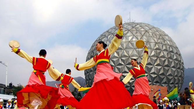 """Không chỉ tập trung đầu tư cho công nghệ hiện đại, các giá trị truyền thống cũng được Hàn Quốc """"bảo quản"""" kỹ lưỡng."""