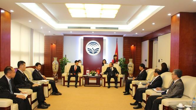 Bộ trưởng Bộ TT&TT Trương Minh Tuấn tiếp Thứ trưởng Bộ Nội vụ và Truyền thông Nhật Bản Jiko Akama