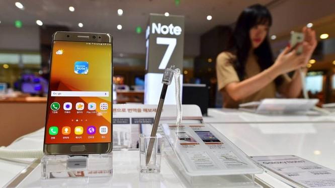 đầu tháng 9/2016, Cục Quản lý cạnh tranh đã tiếp nhận thông tin liên quan đến việc một số sản phẩm Samsung Galaxy Note 7 của Tập đoàn Samsung bị cháy nổ do hiện tượng pin quá nóng.
