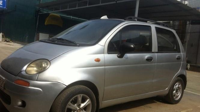 Nằm ở cái tên đầu tiên của những mẫu xe ôtô giá rẻ dưới 120 triệu đồng chính là chiếc Daewoo Matiz đời 2001 – 2007. Đây là mẫu xe cỡ nhỏ, đa dụng khá tiện lợi dành cho những người mới lần đầu sử dụng xe ôtô