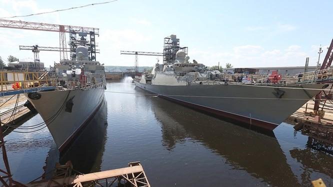 Hai chiến hạm Gepard 3.9 thứ 3 và 4 của Việt Nam tại xưởng đóng tàu M. Gorky ở Zelenodolsk (CH Tatarstan). Một chuyên gia hải quân Nga cho rằng lớp tàu chiến Gepard 3.9 đóng cho Việt Nam sẽ không được trang bị hệ thống tên lửa Klub uy lực của Nga vì nhiều