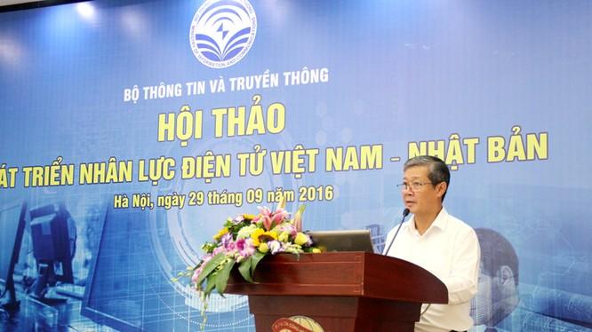 Thứ trưởng Nguyễn Thành Hưng phát biểu khai mạc Hội thảo.