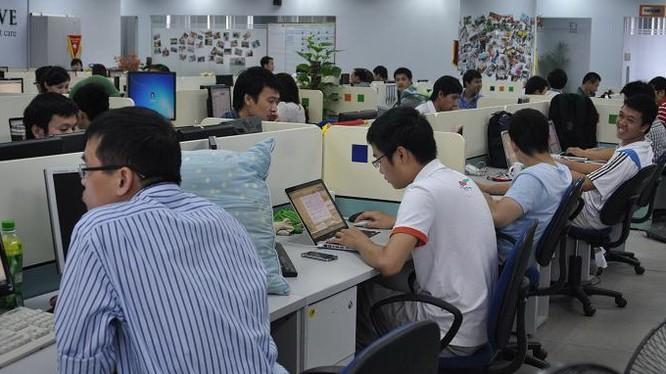 Có tới 73% vị trí đăng tuyển IT có mức lương khởi điểm trung bình từ 15.772.500 đồng để thu hút ứng viên.