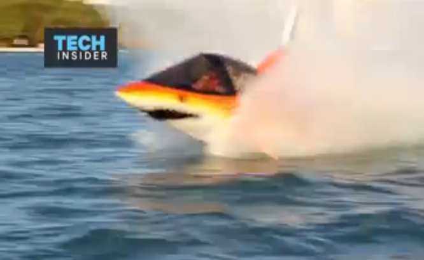 Những tàu cá này có thể di chuyển bên dưới mặt nước ở vận tốc 40 km/h.