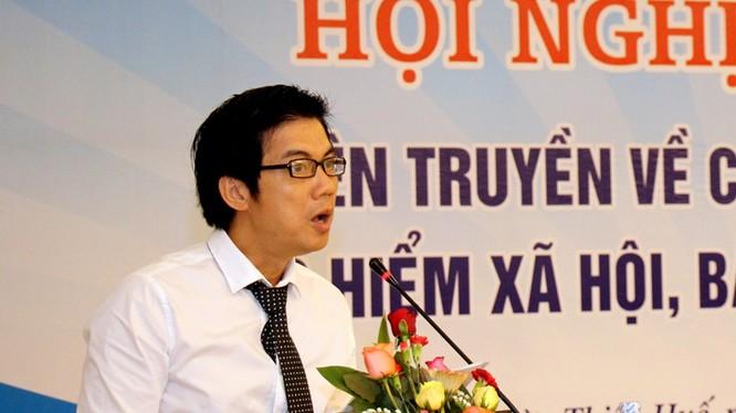 Ông Đoàn Công Huynh, Vụ trưởng Vụ Thông tin cơ sở phát biểu khai mạc hội nghị.