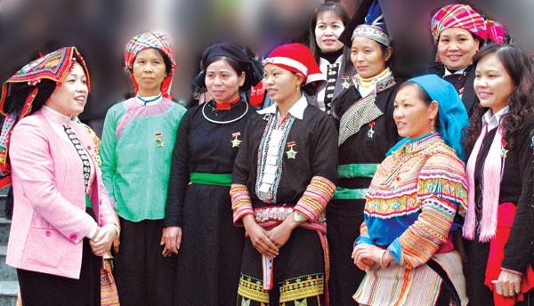 Nữ cán bộ vùng dân tộc thiểu số