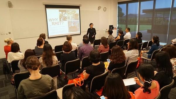 Buổi lễ ra mắt chương trình Tiến sĩ chuẩn quốc tế đầu tiên giảng dạy hoàn toàn tại Việt Nam