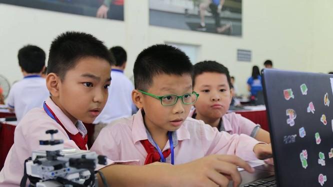 Ngày hội Robothon được tổ chức hàng năm là sân chơi robot phổ biến dành cho lứa tuổi học sinh.