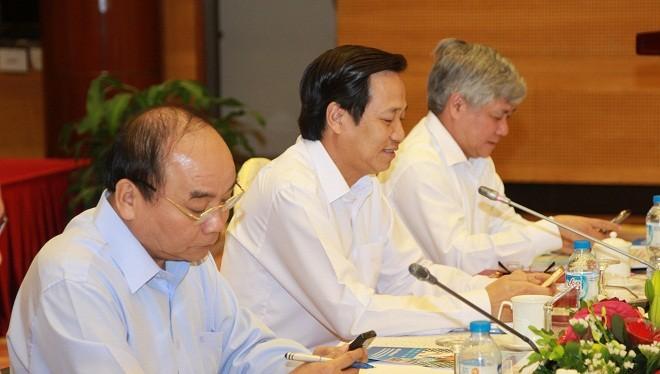 """Thủ tướng Nguyễn Xuân Phúc trực tiếp nhắn tin ủng hộ """"Vì người nghèo"""" qua cổng TTĐT nhân đạo quốc gia 1400."""