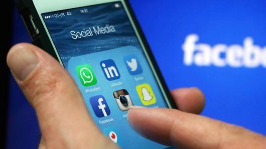 Truyền thông xã hội và video trực tuyến đang đang làm bùng nổ.