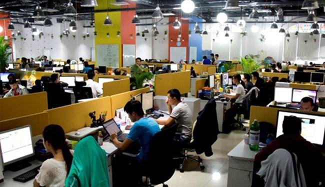 Hiện Việt Nam có hơn 500.000 doanh nghiệp, trong đó số doanh nghiệp hoạt động thương mại điện tử chiếm 45%, khoảng 220.000 doanh nghiệp (ảnh minh hoạ).